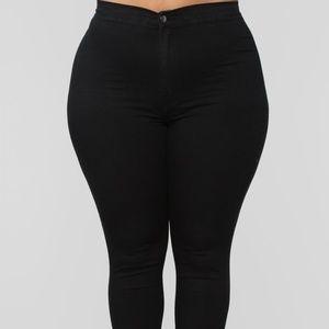 Fashion Nova Super High Waist Denim Skinnies Black